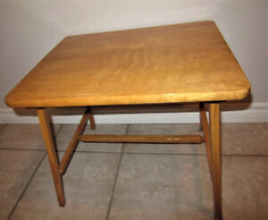 VINTAGE SOLID WOOD SMALL TABLE (Over 65 years old)