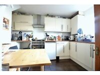 BETHNAL GREEN E2 ¦ SPACIOUS 4 bed house ¦ 2 bath ¦ mins from tube ¦ GARDEN!!