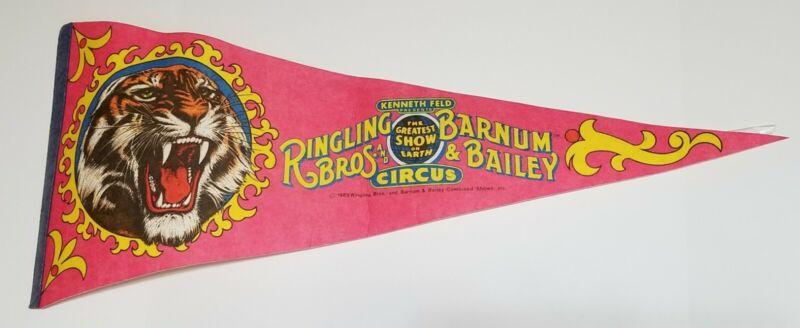 1985 RINGLING BROTHERS BARNUM & BAILEY CIRCUS Vintage Felt Pennant
