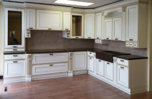Italian Kitchen. SALE. 60 % Off. Floor Model WITH COUNTERTOP