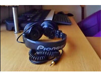 Pioneer SE-DJ5000 Professional DJ and Monitor headphones