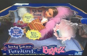 Bratz Funky Fashion Furniture High Heel Hotseat with Yasmin Doll New
