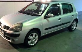 Renault Clio Silver 04 plate