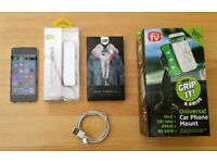 iPod Touch, Silver, 5th Gen, 16GB + Extras