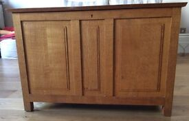Vintage Large Oak Chest with panelled sides in really great condition