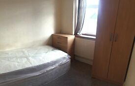 **NICE SINGLE ROOM IN BARKING, IG11 ALL BILLS INCLUDED**