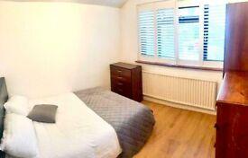 *** Double Room just off Montagu Road Edmonton