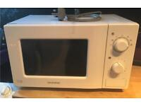 White daewoo free standing microwave oven good working order
