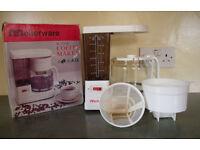 Vintage 1980s Mellerware 10-12 cups coffee maker in original box. £3 ovno.