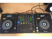 PIONEER CDJ 850 k (Pair) with DJM-800 Mixer. Free Flight case included