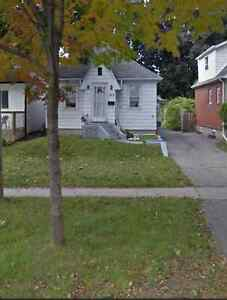 TWO BEDROOM MAIN FLOOR IN NORTH OSHAWA CLOSE TO EVERYTHING