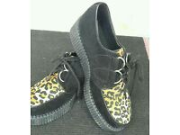 Suade Leapord Print Shoes Size 5 (NEW)
