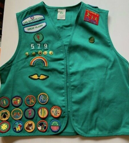 Vintage Girl Scouts USA Great Plains Grn Vest W/ Badges Pins & Patches