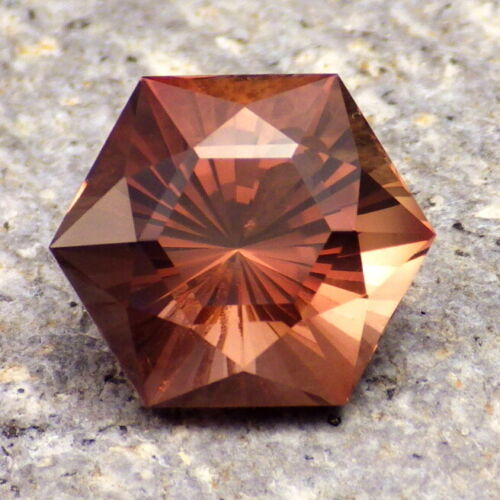 COPPER-RED OREGON SUNSTONE 7.44Ct CLARITY SI2, FACETED IN THE USA, VIDEO