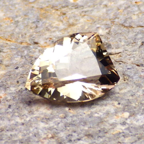 WALNUT-GREEN-PINK DICHROIC OREGON SUNSTONE 2.60Ct FLAWLESS-FROM OUR PANA MINE