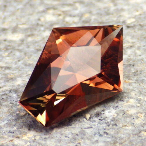 COPPER-GREEN-RED SCHILLER OREGON SUNSTONE 5.73Ct FLAWLESS-GERMAN CUT-FOR JEWELRY
