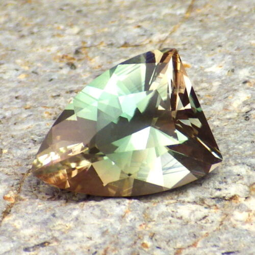 PEACOCK GREEN-BLUE DICHROIC OREGON SUNSTONE 3.45Ct FLAWLESS-FOR HIGH-END JEWELRY