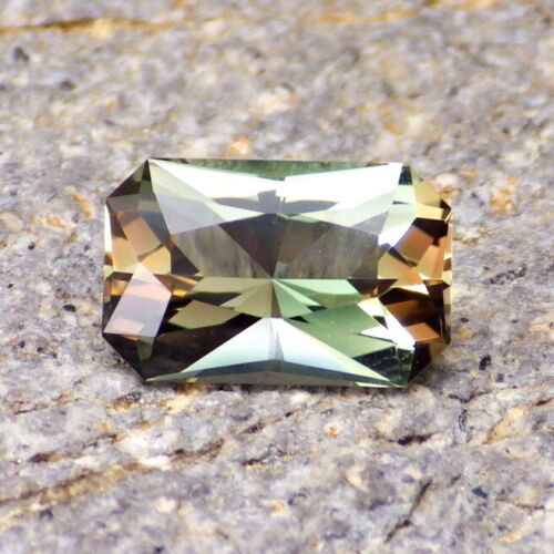 GREEN-TEAL-ORANGE DICHROIC OREGON SUNSTONE 2.69Ct FLAWLESS-FOR HIGH-END JEWELRY!