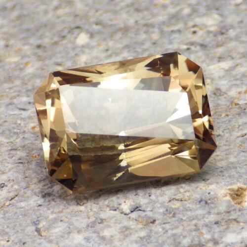 WALNUT-GOLD OREGON SUNSTONE 8.80Ct FLAWLESS, PERFECT CUT BY IAN, FOR JEWELRY!