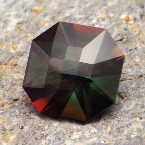 GREEN-RED SCHILLER OREGON SUNSTONE 5.42Ct FLAWLESS-PRECISION AMERICAN FACETING!!