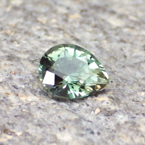 PEACOCK GREEN-BLUE OREGON SUNSTONE 1.10Ct FLAWLESS, INCREDIBLE COLOR, VIDEO!