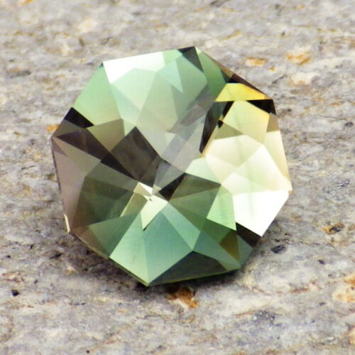GREEN-PEACH DICHROIC OREGON SUNSTONE 3.67Ct FLAWLESS-FACETED IN THE USA-INVESTM.