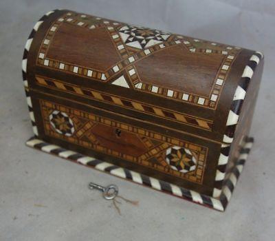 altes kleines Holzlästchen Schatztruhe schöne Intarsien Arbeit