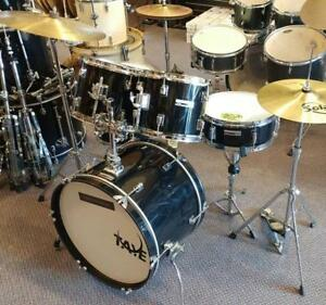 Taye Spotlight Drum Kit 10-12-14ft-20, snare 13, cymbales et accessoires - usagé/used