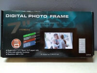Cibox 7 inch Digital Photoframe | £10