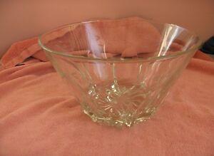 Vintg-Princess-House-Heritage-Crystal-Etched-Salad-Bowl