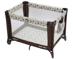 GRACO Pack and Playard. Like New! With Toy Bar & Bag. DEAL!