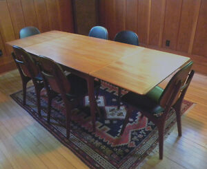 Gorgeous vintage teak dining table with six original chairs