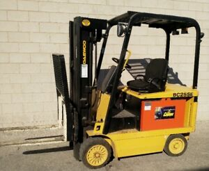 Daewoo BC25SE Electric 5000lb Forklift 890 hours only like new
