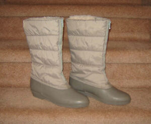 Converse Runners, Winter Boots - size 9 Strathcona County Edmonton Area image 4