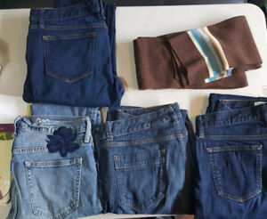 Lot of 4 women's jeans. Size 28. Good brands