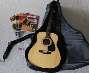 Yamaha Dreadnought Acoustic solid spruce top