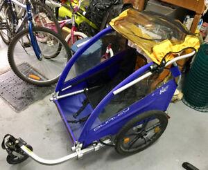 Remorque pour vélo et marche. Burley de modèle Honey-Bee