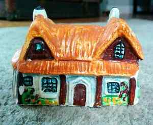 Vintage Ceramic Miniature Buttsford Farm Christmas Decor