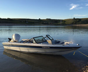 1986 Chaparral 162 open bow 90 HP Johnson