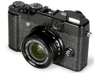 Fuji X10 - Compact Digital Camera in great condition (RRP $599)