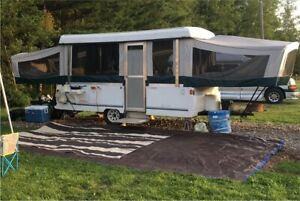 1998 Coleman Grandview pop up trailer