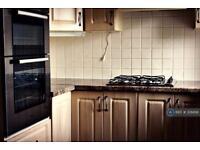 2 bedroom flat in Raeburn Road, Sheffield, S14 (2 bed)