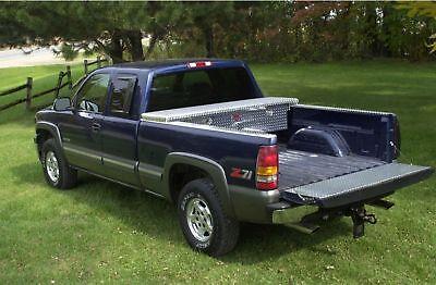 Diamond Plate Truck Tool Box:94-04 S10/Sonoma long bed ()