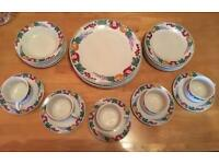 Crown Dynasty dinner set (27piece nearly full set)