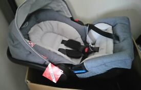 Graco pushchair and newborn carseat