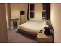 Large double room - 1 minute walk from Kings Heath High Street