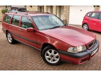 Volvo XC70 Cross Country 2.5T 4x4 with Good History and MOT