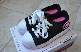 Heelys X2 Fresh Kids Wheelie Trainers Girls Roller Skate Shoes Pink Black RRP £40