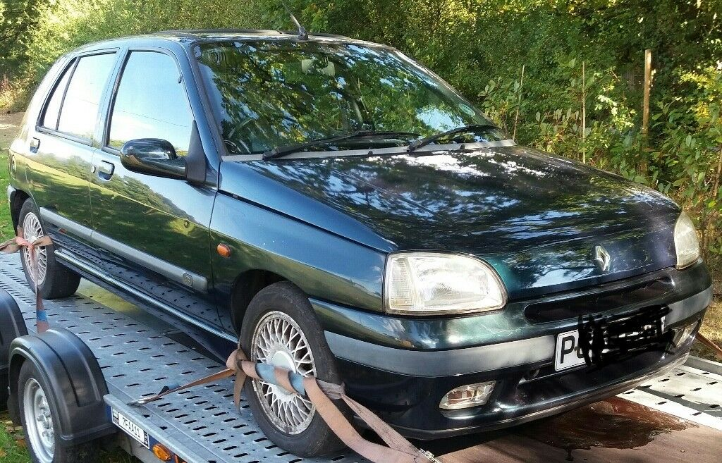 mk1 renault clio baccara auto 1 8 8v breaking parts spares repairs whitstable offers around 300. Black Bedroom Furniture Sets. Home Design Ideas