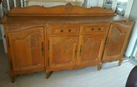 antquie oak sideboard needs gone for Friday
